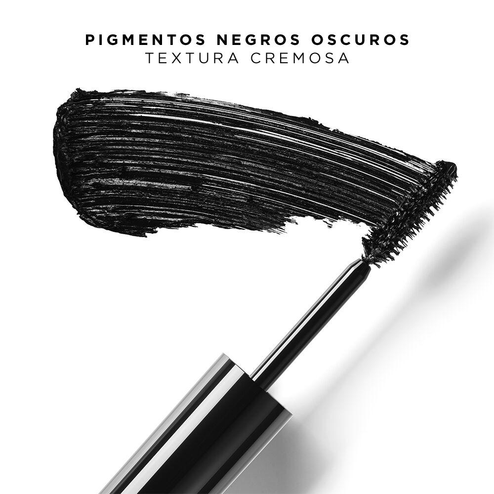 Muestra de la textura de la fórmula cremosa y resistente a la abrasión con pigmentos negros oscuros de la máscara voluminizadora Monsieur Big de Lancôme